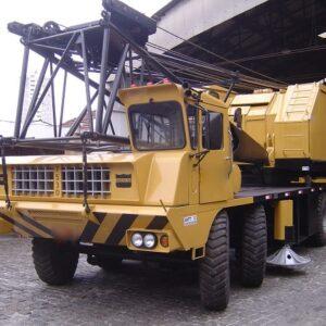 AMERICAN 7530 - 125 ton. - treliça sobre pneus