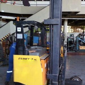 Empilhadeira HYUNDAI 25BRJ7 2,5 ton. 2011 Elétrica-BATERIA 48 V