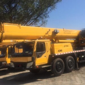 XCMG QY70K1 70 ton. 2012 - EXCELENTE